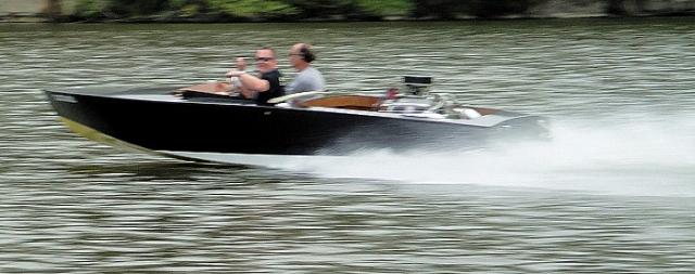 Glen-L Hot Rod, a 17' v-drive ski boat